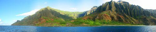 Nā Pali Coast State Park - Photo courtest of: www.en.wikipedia.org