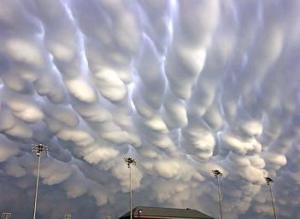 mammatus_clouds